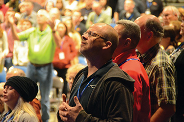 Attendees enjoy worship during ICOM's November 2016 event in Lexington, Kentucky.